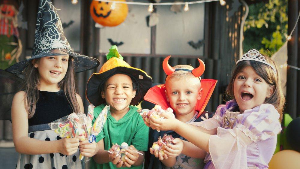 Masques halloween bonbons